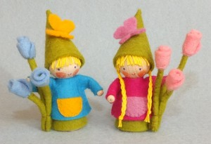 TWO LITTLE SUMMER GNOMES KIT PPK216